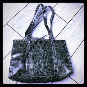 ✨💚 Green Croc Liz Claiborne Totes💚✨
